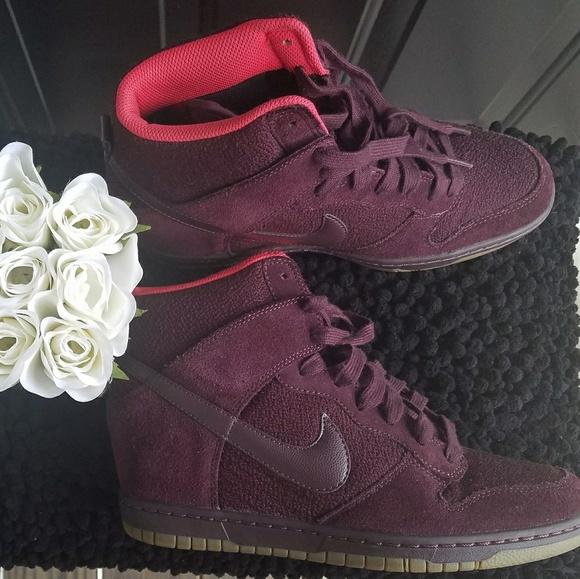 the best attitude 2c047 d1729 Nike Sky Hi Dunk Sneakers  Burgundy . M 5aa443daf9e501d6698ecd4a